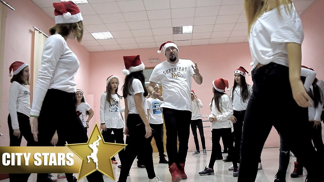 Christmas 2019 - Hip Hop Dance (City Stars) - Jingle Bell - YouTube