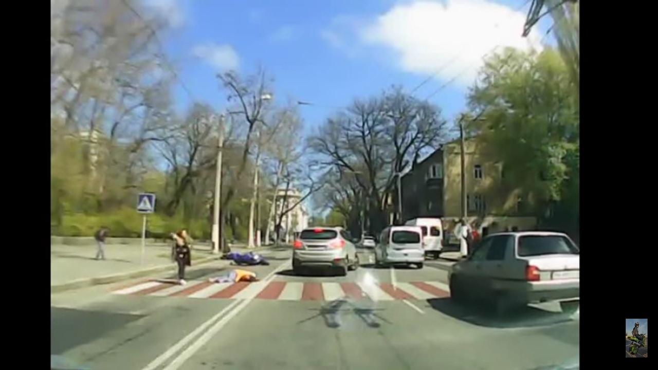 Мото ДТП на Пироговской г Одесса 26.04.2017. Мотоциклист сбил троих детей