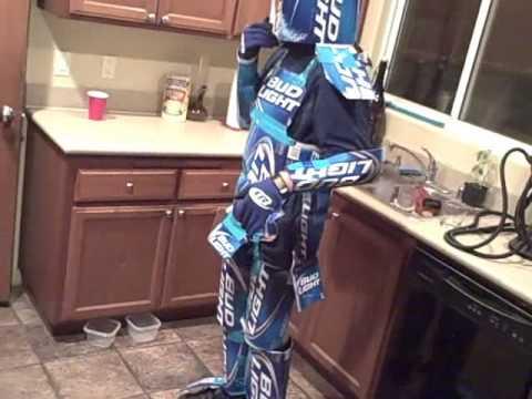 Bud Lightyear Robot Dance