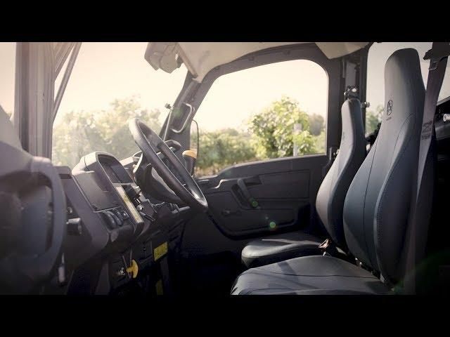Pojazdy użytkowe John Deere Gator - skórzane fotele