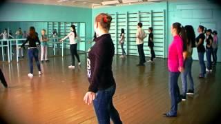 Урок танцев (вальс) 11-А класса (выпускники 2013) школы №2 в Щелкино