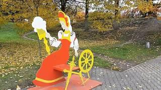 Тёплые осенние деньки у ЗАГСа города Иваново (ул. Батурина, 13 -2019 год)