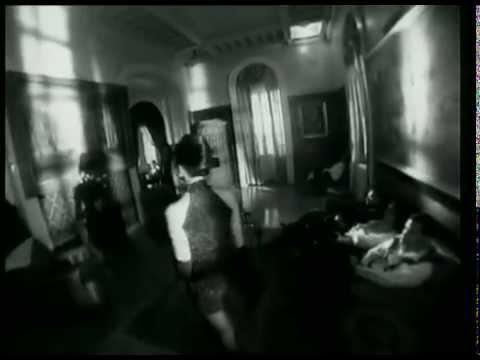 Καίτη Γαρμπή - Ξυπόλητη χορεύω | Kaiti Garbi - Ksipoliti Xoreuo - Official Video Clip