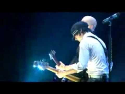 Simple Plan - Your Love Is A Lie  ( LIVE / GOOD QUALITY )