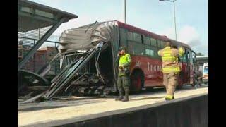 Bus de Transmilenio se partió en dos en la autopista Sur