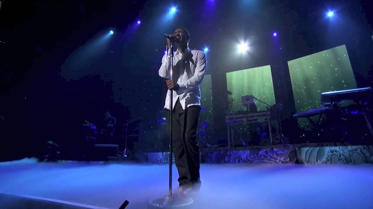Download Usher - Dive (Live at iTunes Festival 2012)