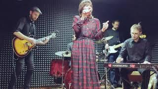 AMY WINEHOUSE - Rehab - The Velvet Sun ft. Mari Zhiginas