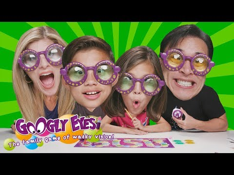 EXTREME FAMILY DRAWING CHALLENGE!!! Googly Eyes Family Game Night!