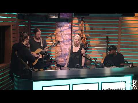 "RaeLynn Performs New Song ""Bra"" Acoustic - Ty, Kelly & Chuck"