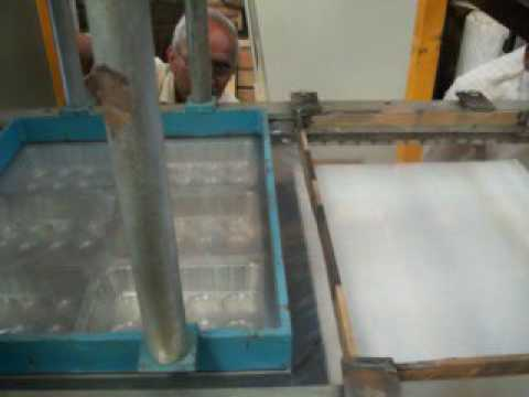 SUNFORMING: CONTACT HEATING PVC / HIPS / PET VACUUM FORMING MACHINE
