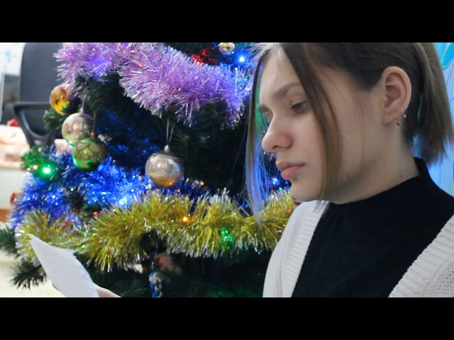 Изображение предпросмотра прочтения – АнастасияЛысанова читает произведение «Она сидела наполу…» Ф.И.Тютчева
