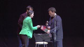 Смотреть Актёр Евгений Дятлов исполняет известные бардовские песни в Пятигорском городском доме культуры! онлайн