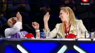 Україна має талант 4 сезон - Бегемотик танцор(шоу Україна має талант 4 сезон., 2012-03-11T12:30:48.000Z)