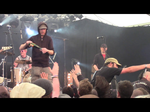 Oi Polloi - Don't Burn The Witch Burn The Rich (Zikenstock Festival 2017 France) [HD]