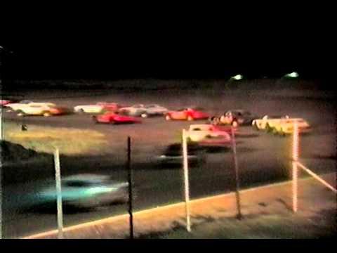 Rolling Wheels Raceway Street Stock races summer 1988 16 following Mike Clapperton M16