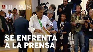 Un apoderado de VOX se enfrenta a la prensa antes que vote SÁNCHEZ | 28-A