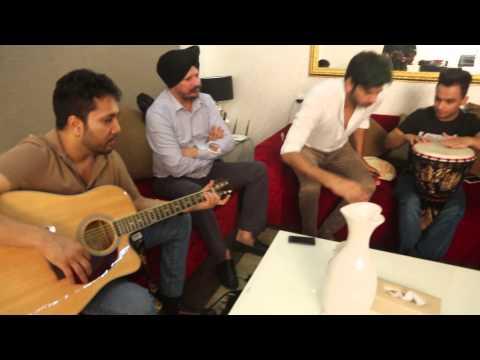 Mika singh and Hans Raj Hans live jamming
