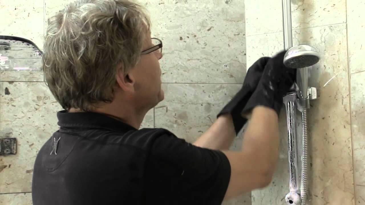 Badkamer Schoonmaak Tips : Badkamer schoonmaken ontkalken youtube
