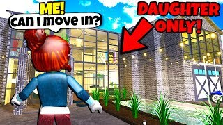 This Couple Wanted A DAUGHTER ONLY.. SO I WENT UNDERCOVER! (Roblox Bloxburg)