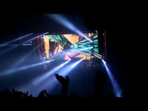 Zedd - Breaking a sweat Zedd remix into ID into Feel The Volume Live @ The Masonic Temple