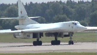 Ту-334 Ту-22М3 Ту-95 Ту-160 Ту-204 МАКС 2005 Tu-334 Tu-22M3 Tu-95 Tu-160 and Tu-204 at MAKS 2005
