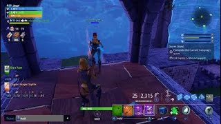 Fortnite scammer gets scammed HARD he SING AND he give me guns for free LOL