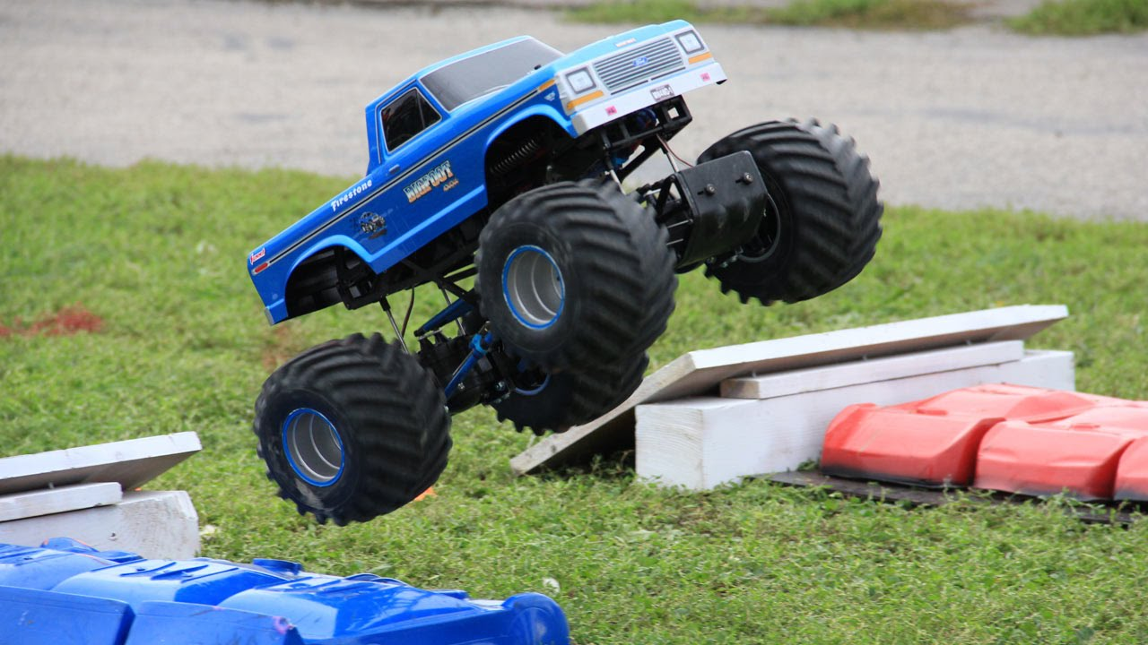 Trigger King R C Monster Truck Racing At The Bigfoot Open