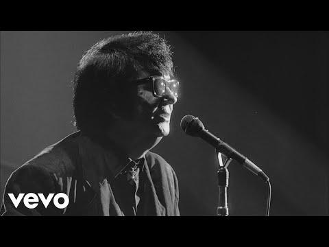 Roy Orbison - Crying (Black & White Night 30)
