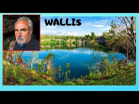WALLIS, the spectacular 1km wide CRATER of LAKE LALOLALO (WALLIS & FUTUNA, Pacific Ocean)