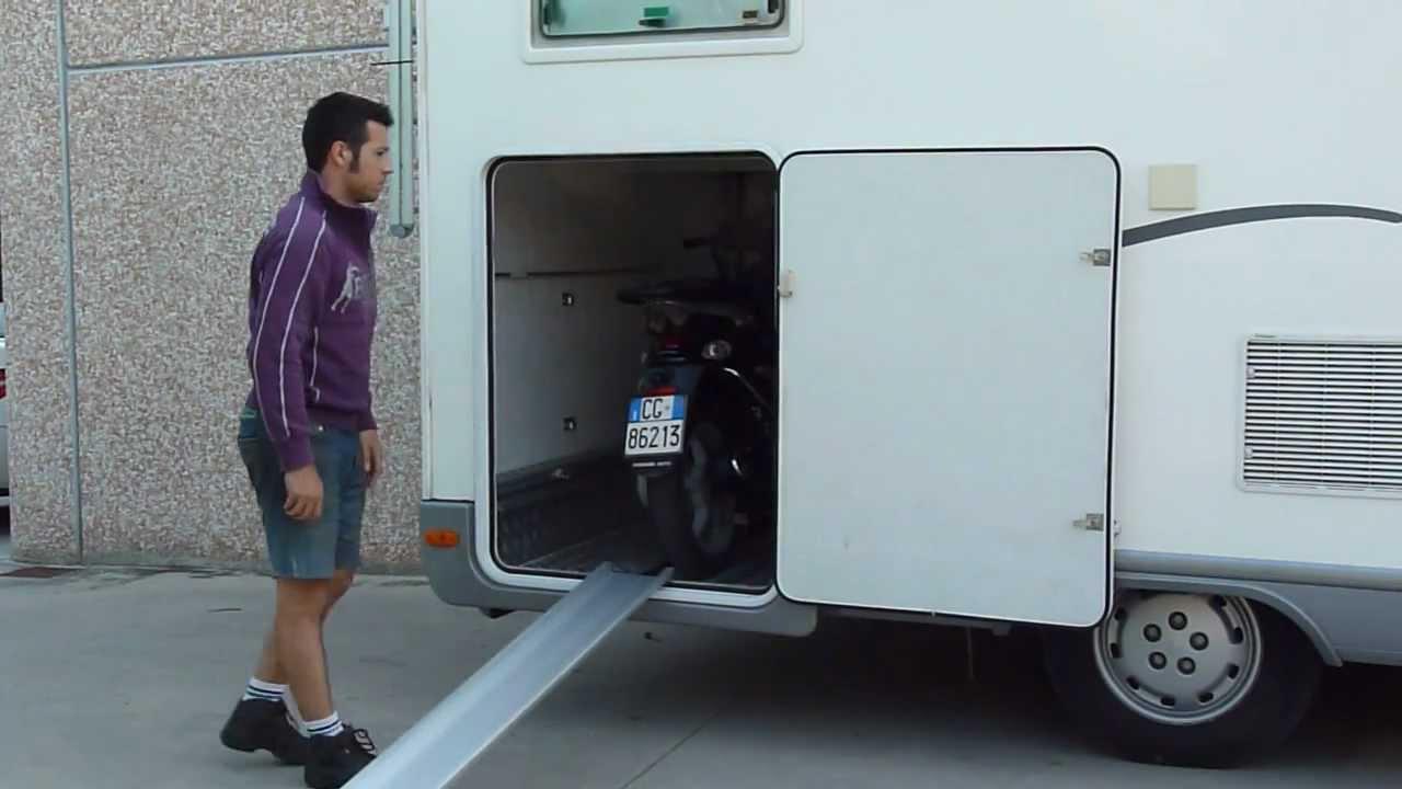 Portamoto per camper con gavone youtube for Progetta i tuoi piani di garage gratis
