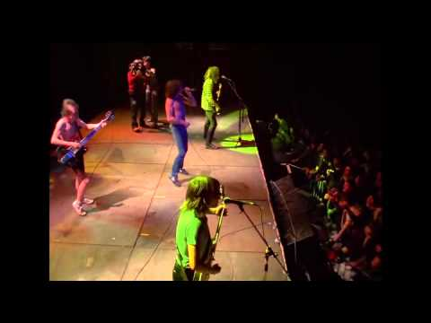 AC/DC - Highway To Hell Live From Paris 1979 (with Bon ...