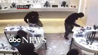 Thieves Make Off With Over $1M in Jewels