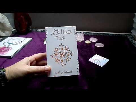 Review du Lili White Tarot + livre de Célia Melesville 💕✨