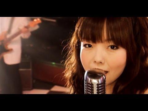 Download aiko-『Smooch!』music video