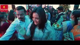 Kalyan Jewellers' ambassador Manju Warrier makes surprise visit to Amitha & Krishna Kumar's Wedding