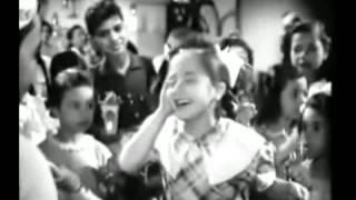 بالفيديو والصور.. تعرف على أول طفلة تغني (وحوي يا وحوي)