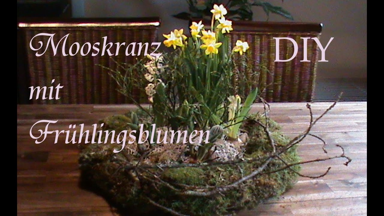 diy mooskranz mit fr hlingsblumen fr hlingsgesteck just deko youtube. Black Bedroom Furniture Sets. Home Design Ideas