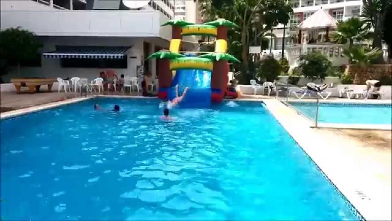 Chapuzones en el poseidon resort de benidorm youtube for Hotel poseidon benidorm