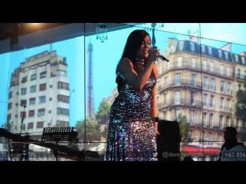 Novita Dewi - Halo (Beyonce Cover) Live @ Kempinski Ballroom   Dave Music Ent.