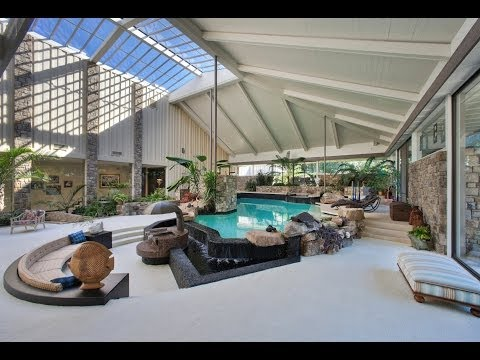 Chattanooga mansion includes swimming pool in living room