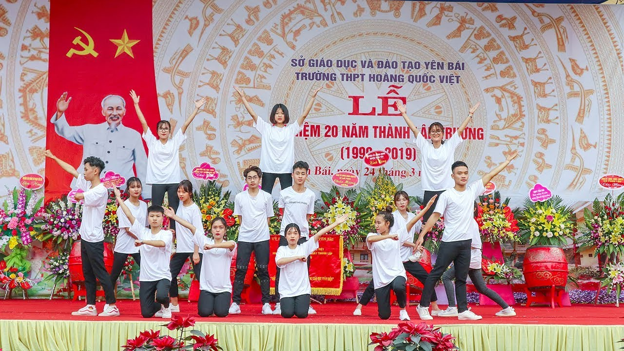 Lễ Kỷ niệm 20 năm thành lập Trường THPT Hoàng Quốc Việt, thành phố Yên Bái