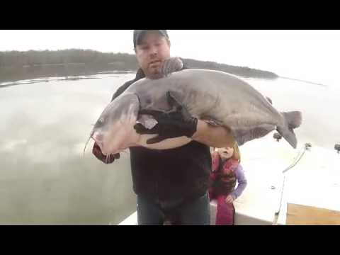 James River Blue Catfishing with Dale Russel Lowe Jr.