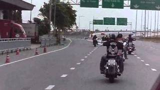 ฮาเล่ย์เดวิดสัน UNLIMITED RIDER AND SUNDAY RIDER  GO TO CHONBURI.wmv