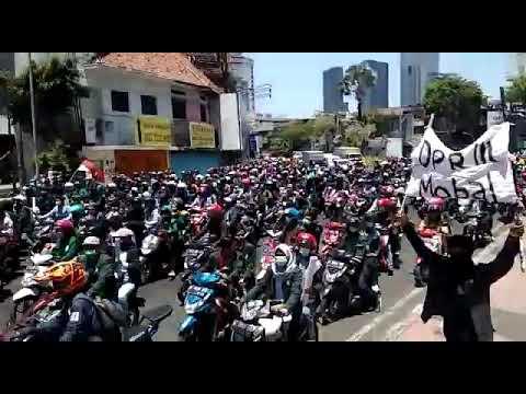 Demo Besar Besaran Di Surabaya Hari Ini