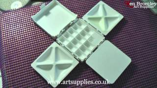 Cloverleaf Paint Box