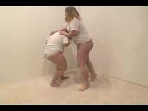 thick girls fighting