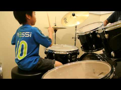 Basket Case (Cover) Cyrus Yap 7 year old drummer