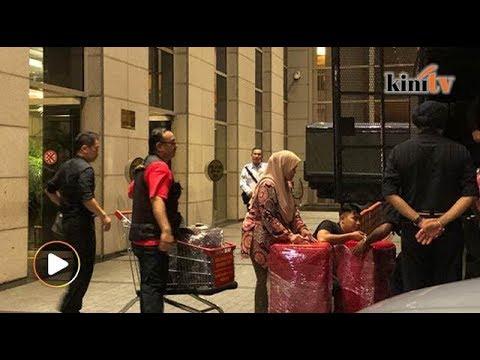 EKSKLUSIF: Polis rampas 72 beg wang tunai, barangan kemas, 284 kotak beg mewah