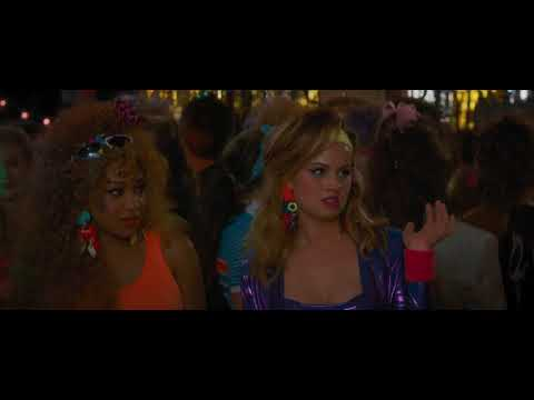 Debby Ryan 80's outfit