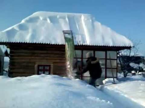 ❄ Уборка снега с крыш: опасности, о которых вы могли не знать
